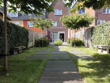 Renovatie Smalle Tuin : Tuinontwerp lange smalle tuin